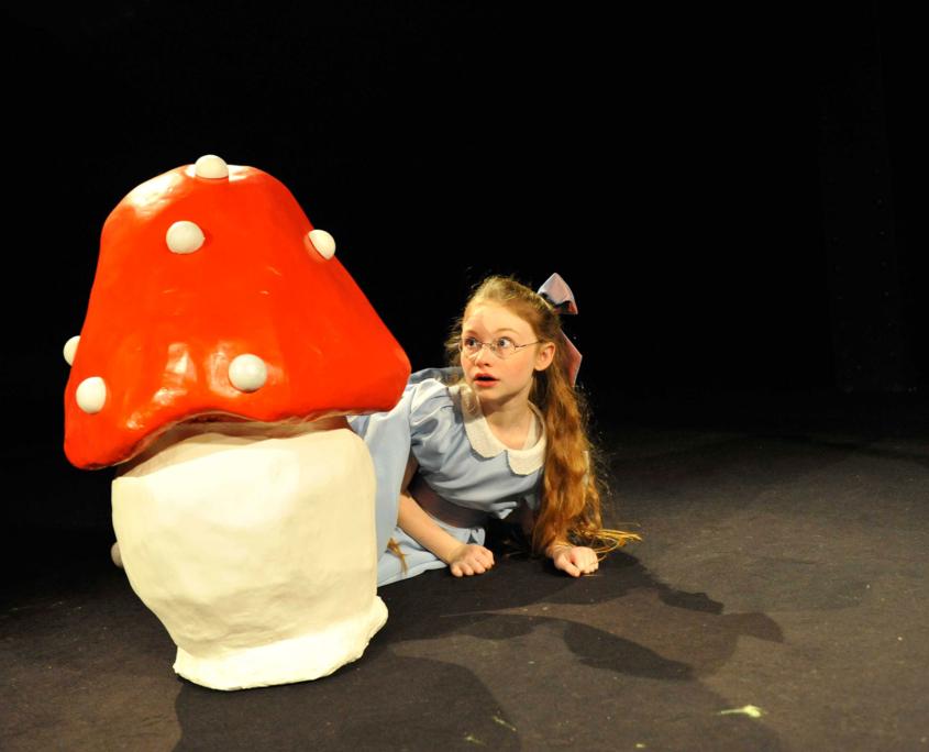 Heloise Dugas dans Alice au Pays des Merveilles